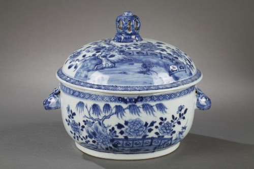 Porcelain & Faience  - Pair of chinese porcelain tureens, Qianlong 1736 - 1795