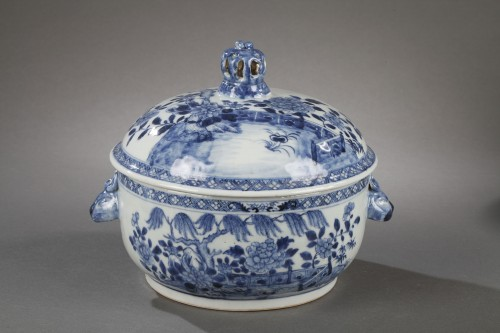 Pair of chinese porcelain tureens, Qianlong 1736 - 1795 -