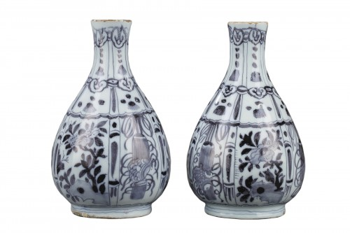 Pair of Delft Faience vases from De Grieksche A. Second half of 17th c.