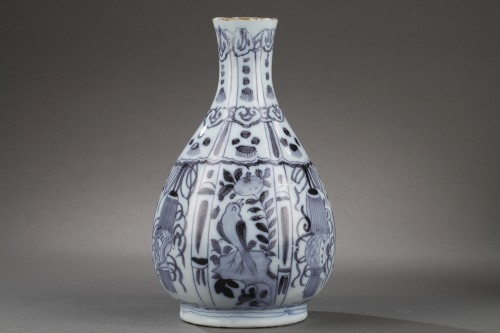17th century - Pair of Delft Faience vases from De Grieksche A. Second half of 17th c.