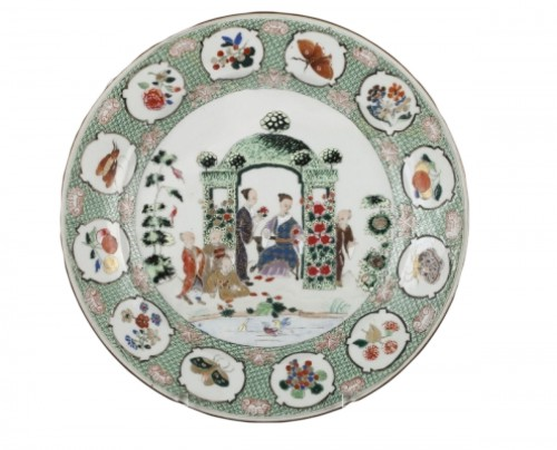 "Chinese exportware dish with a ""décor à la tonnelle"" pattern circa 18th c."