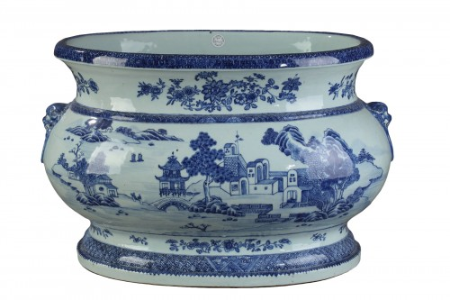 Very large wine cooler, chinese porcelain, Qianlong Period 1736 - 1795