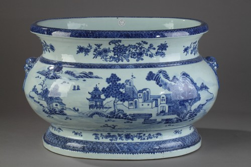 Very large wine cooler, chinese porcelain, Qianlong Period 1736 - 1795 -