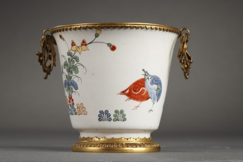 CHANTILLY : Soft paste gobelet with a Kakiempon pattern circa 1730 - 1735 - Porcelain & Faience Style