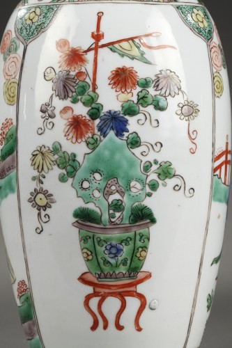 """Antiquités - CHINA : Pair of vases decorated with """"Long Elisa"""" pattern Kangxi 1662 - 172"""