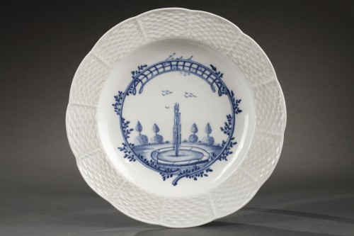 Chantilly - Soft paste porcelain décorated in blue. Circa 1750 - 1760 - Porcelain & Faience Style
