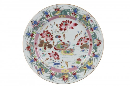 China - Large Famille Rose dish Yongzheng 1723 - 1735