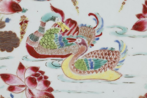 Porcelain & Faience  - China - Large Famille Rose dish Yongzheng 1723 - 1735