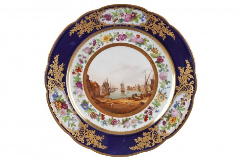 Paris porcelain plate depicting Marseille harbour circa 1830