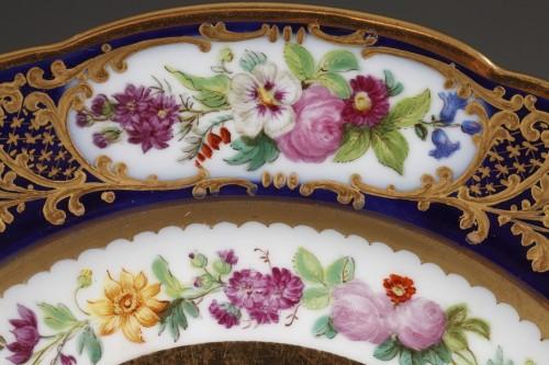 Louis-Philippe - Paris porcelain plate depicting Marseille harbour circa 1830