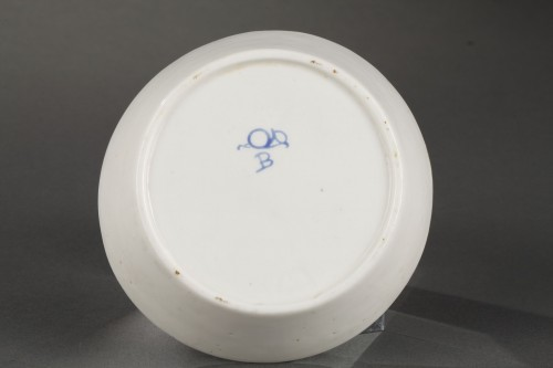 Chantilly Soft paste porcelain cup and saucer 18th century - Porcelain & Faience Style