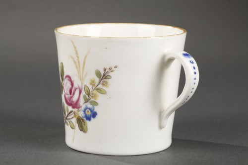 18th century - Chantilly Soft paste porcelain cup and saucer 18th century