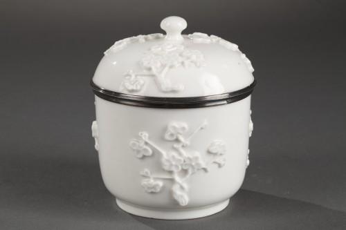 Mennecy Soft paste sugar bowl 18th century circa 1740 - 1750 - Porcelain & Faience Style