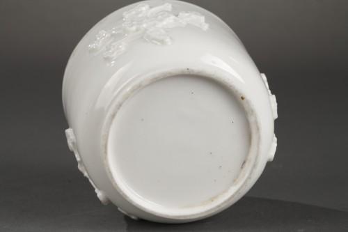 Porcelain & Faience  - Mennecy Soft paste sugar bowl 18th century circa 1740 - 1750