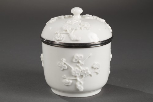 Mennecy Soft paste sugar bowl 18th century circa 1740 - 1750 -