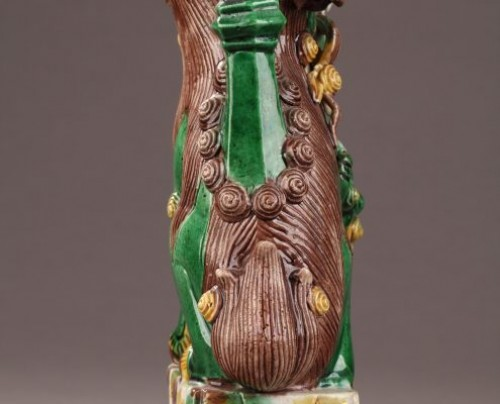 Porcelain & Faience  - China : Pair of Fo dogs, Kangxi (1662 - 1722)