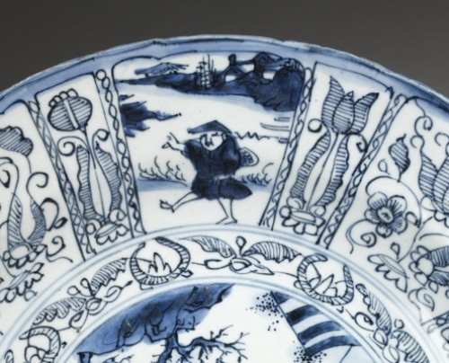 Large Kraak bleu and white dish.  China Wanli period 1573 – 1619 - Porcelain & Faience Style