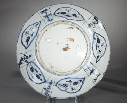 Large Kraak bleu and white dish.  China Wanli period 1573 – 1619 -