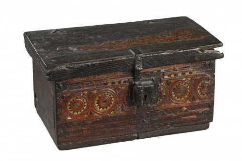 AL-ANDALUS – ESPAGNE : Very rare wooden box. 15th century.