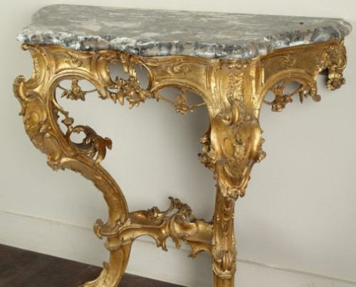 - Venice : Wooden console with a marble top, 18th century circa 1750