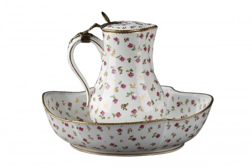 Sèvres Jug and bowl Circa 1784
