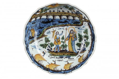 Nevers Faïence bowl decorated with the Loire bridge. Circa 1815