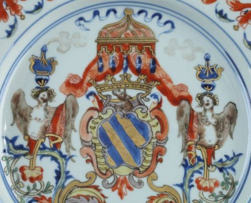 Porcelain & Faience  - China, Kangxi, Export armorial plate. Circa 1720
