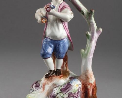 SCEAUX ou OLIVIER, PARIS : Pair of Faïence Fine figures 18th century - Porcelain & Faience Style