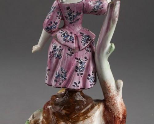- SCEAUX ou OLIVIER, PARIS : Pair of Faïence Fine figures 18th century