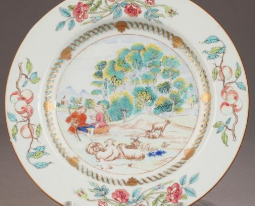 China Exportware plate decorated with a romantic scene Circa1740 - Porcelain & Faience Style