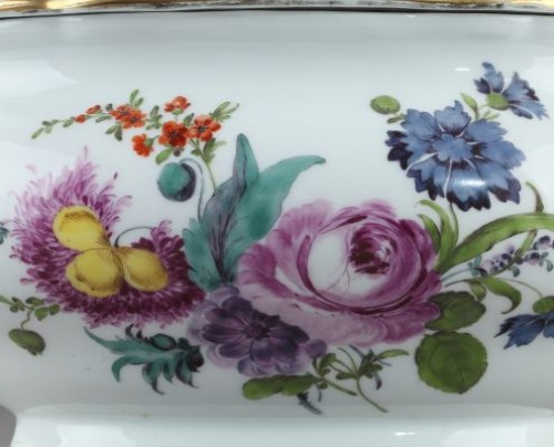 MEISSEN : Porcelain terrine and cover 18th century - Porcelain & Faience Style
