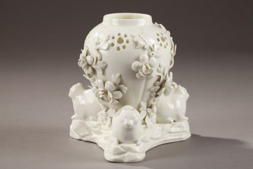 Potpourri in soft paste from Saint-Cloud, mid 18th century -