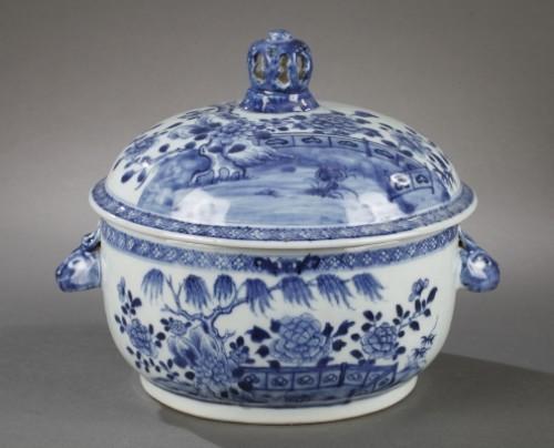 18th century - China Exportware pair of terrines Qianlong period 1736 - 1795