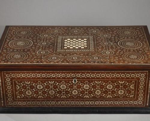 Spain, Granada : Wood Casket Mudejar Art circa 1500 - Furniture Style