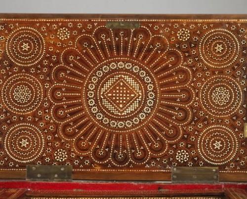 - Spain, Granada : Wood Casket Mudejar Art circa 1500