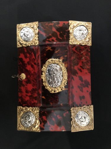 Decorative Objects  - 17th century Antwerp box