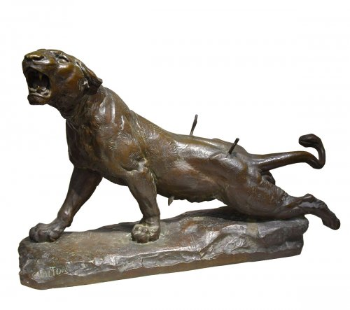 The wounded lioness - Charles VALTON (1851-1918)