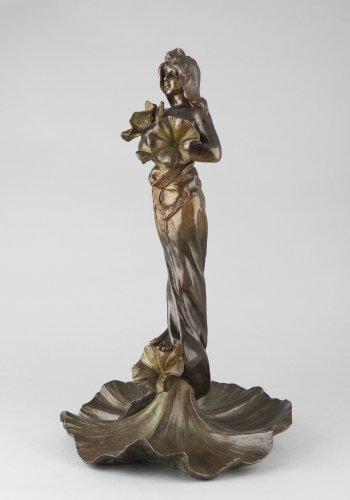 Oriental flower woman - Emmanuel VILLANIS (1858–1914) - Sculpture Style Art nouveau