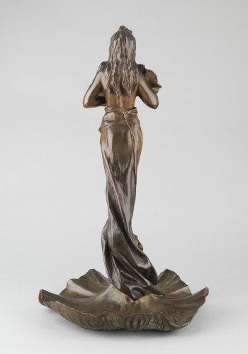 Sculpture  - Oriental flower woman - Emmanuel VILLANIS (1858–1914)