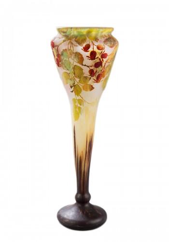 """""""Dog rose berry"""" vase - DAUM"""