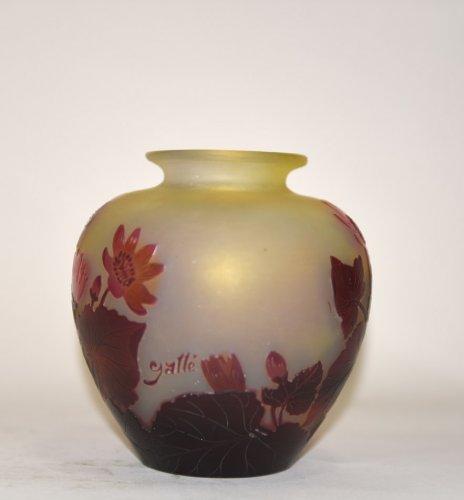 """Glass & Crystal  - """"Red flower"""" vase - GALLÉ"""