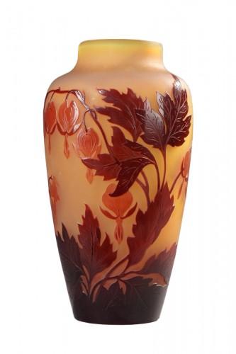 Asian bleeding-heart vase - GALLÉ