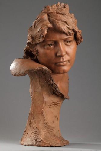 Head of a woman - Jules DESBOIS (1851-1935) - Sculpture Style