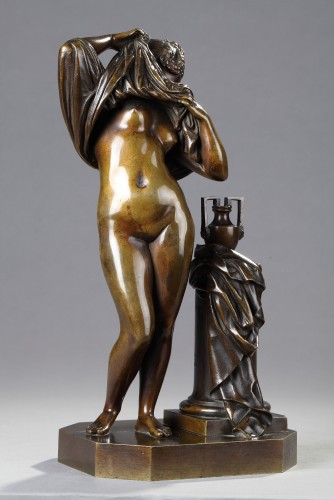Woman taking off her shirt - James PRADIER (1790-1852) - Sculpture Style Louis-Philippe