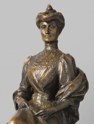 Sculpture  - Woman with a fan - Auguste SEYSSES (1862-1946)