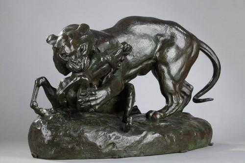 Tiger surprising an antelope - Antoine-Louis BARYE (1796-1875) - Sculpture Style Napoléon III