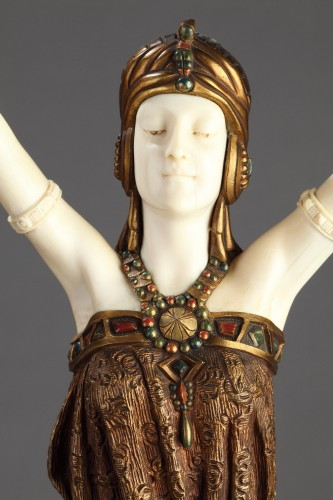 The great Priestess - Demetre Chiparus (1886-1947) - Sculpture Style Art Déco