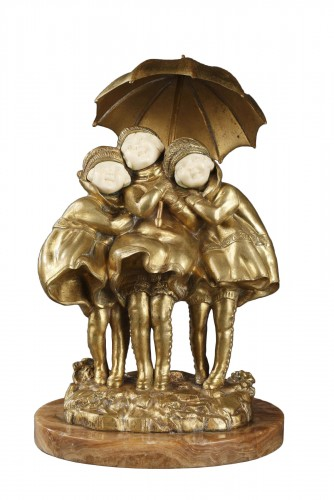 Girls with an umbrella - Demetre Chiparus (1886-1947)