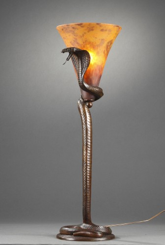 Cobra Lamp - Edgar BRANDT  (1880-1960) and DAUM - Lighting Style Art Déco