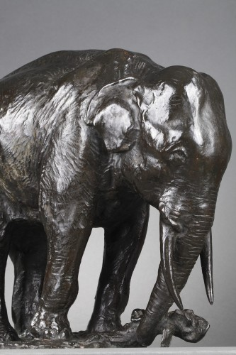 20th century - Elephant pulling out a tree trunk - Gustave HIERHOLTZ (1877-1954)